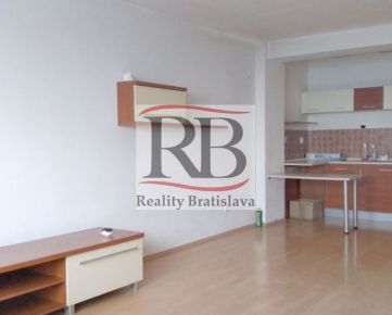 1 izbový byt  na Budatínskej ulici v Petržalke