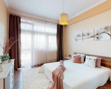 Veľkometrážny 3i byt na najvyššom poschodí so 47m2 terasou a balkónom a 2 garáž. státiami