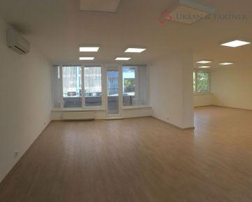 Predaj kancelárskych priestorov s garážovým státim v novostavbe na Pažítkovej ulici v Ružinove