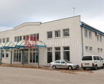 PRENÁJOM: Skladovo - výrobné priestory 3. 000m2 + 1. 000m2 parkovanie