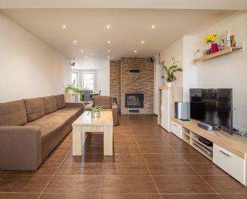 5 izbový rodinný dom v Slovenskom Grobe - podpivničený, s veľkou záhradou a garážou