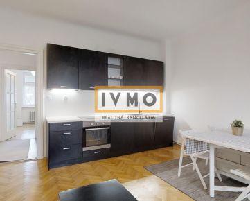 Predaj štýlového 3 izb. byt 87m2 + pivnica 2m + 18m uzavretá pavlač prístupná len pre tento byt, Špitálska ul., absolútne centrum, 2/7p., NADŠTANDARD, 3D virtuálna prezentácia