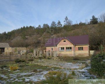 Chalupa s pekným pozemkom  v obci Hrušovo.