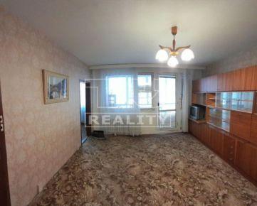 EXKLUZÍVNE v ponuke väčší 1 izbový byt 39 m2 + balkón na 4. posch. sídl. Ťahanovce.