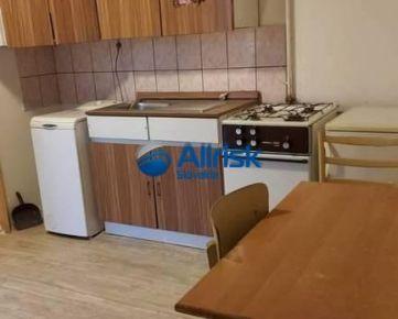 1,5 izbový byt na prenájom v obci Kajal s vlastným dvorom