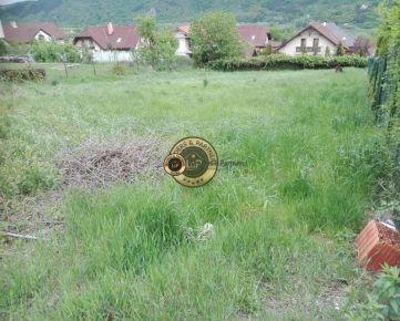 Pozemok v obci SOKOĽ - IS na hranici pozemku, výmera 815 m2