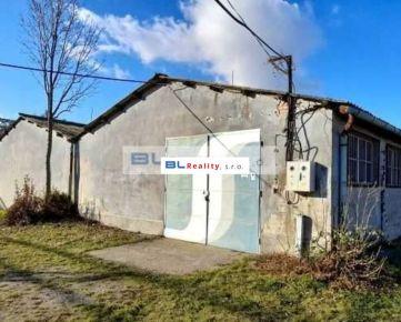 Skladové p. (časť haly) - Istrochem: 119 m2, Vajnorská ul., Nové Mesto, Ba III; 3,50.-€/mes. (416,5.-€) s energiami