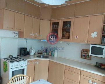 StarBrokers - Priestranný 4 izbový zrekonštruovaný byt na začiatku Petržalky, centrum v pešej dostupnosti.Rezervované.