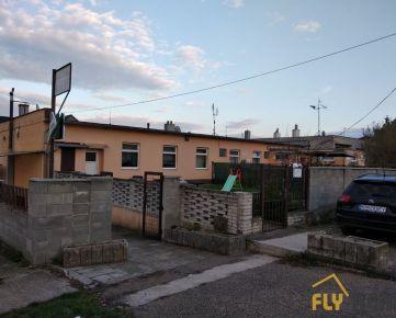Predáme objekt so 4 bytmi + gastroprevádzka + stavebné povolenie na bytovú prístavbu. Sereď - Čepeň
