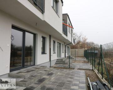 Na predaj 5 -izbové byty v radových RD Hrušovská