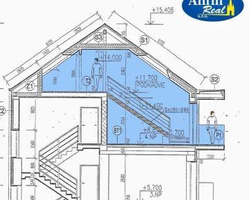4-izbový, dvojpodlažný byt s veľkým balkónom v centre
