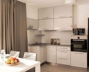 NEO- veľkometrážny 2i byt v centre Trnavy na prenájom