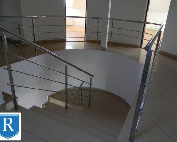 IMPREAL »»» Biskupice »» Staršia administratívna budova » priestory v cena 6,50,- EUR / m2 vrátane energií, parkovanie v cene » 25 m2 a 32 m2
