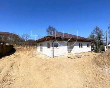 Rodinný štvorizbový dom 100 m2, novostavba, pozemok cca 368 m2, Ličartovce. CENA: 90 000,00 EUR