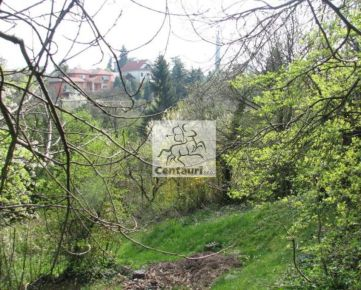 Lukratívny pozemok pri Slavíne
