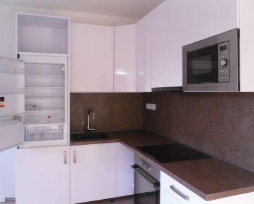 Na predaj moderný 3 izbový byt s loggiou po rekonštrukcii