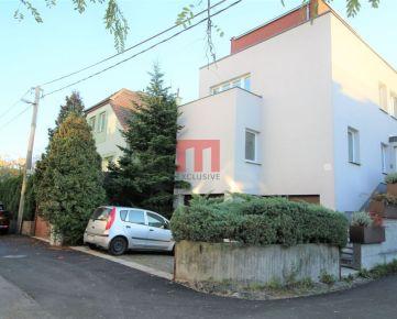 Na prenájom 6 izbový rodinný dom vhodný na kancelárske priestory nad Bratislavským hradom neďaleko Bôrika