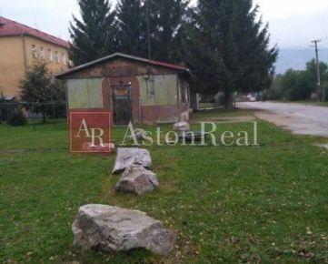 Na predaj stavebný pozemok v centre Turian 700m2