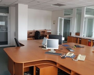 Na prenájom zariadené kancelárie od 14 do 93m2 v Prešove