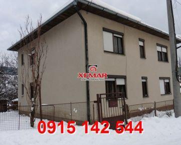 Na predaj rod. dom s hospodárskou budovou- obec Látky