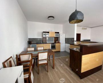 Prenájom 3 izbový byt, Žilina - Centrum, Cena: 800€/mesiac vrátane energií