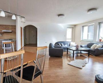 Veľkorysý 3 izbový byt v historickom centre mesta na Františkánskej ulici, Trnava