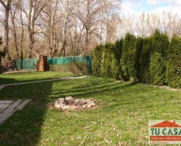 Sereď, predáme  záhradu – rekreačný pozemok v záhradkárskej oblasti o výmere 495m2