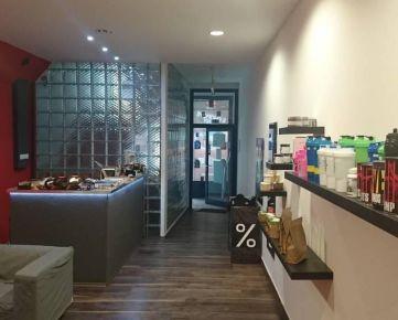 Prenájom :  Obchodný priestor (prízemie ) 110 m2 na Štúrovej v Žiline