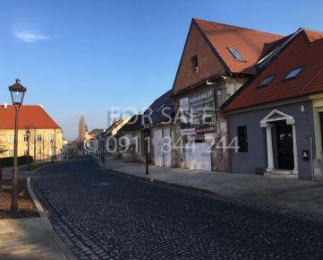 EXKLUZÍVNE na splatky na predaj pôvodný meštiansky dom v historickom centre mesta Trnavy