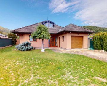 NA PREDAJ – krásny, kompletne zariadený rodinný dom vo vynikajúcej lokalite