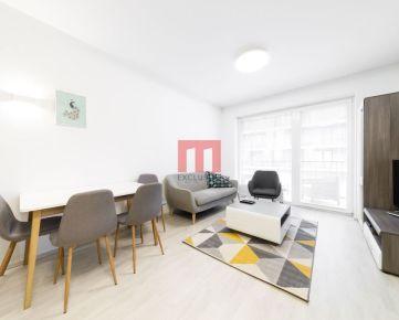 Na predaj moderne zariadený 2 izbový byt s lodžiou v projekte SLNEČNICE VILADOMY
