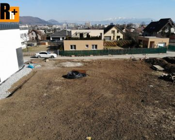 Žilina Závodie 744m2 pozemok pre bývanie na predaj - exkluzívne v Rh+