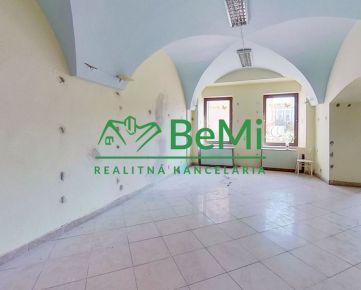 BeMi reality Vám ponúka na prenájom komerčný priestor na Hlavnej ulici v Prešove.029-25-RAS