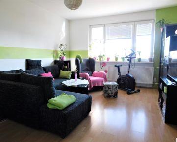 Predaj 3-izbového bytu s lodžiou v zateplenom dome na Svätoplukovej ulici v Pezinku