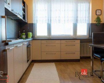 2-izb. byt, St. mesto – Novomeského, 49m2, kompl. rek. a zariadený, 4.p