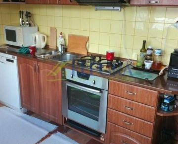 Na predaj :  3 izbový byt Čiernomorská Košice