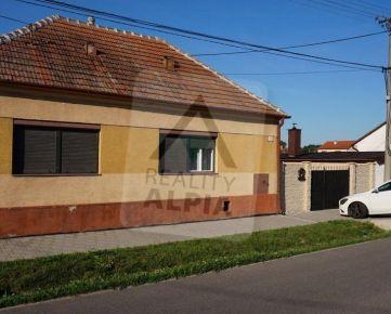 Výborná ponuka-Priestranný 4-izbový rodinný dom v obci Brestovany pri Trnave