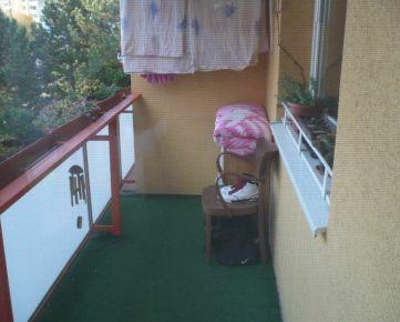 Kúpa: 3-izbový byt na sídlisku v Trnave.