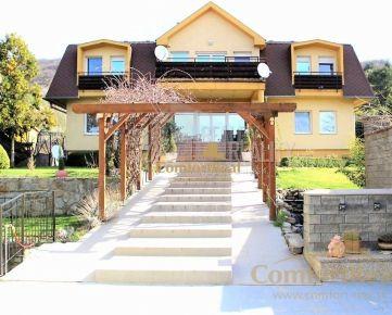 Prenájom 6i veľkorysého bytu v dvojbytovom rodinnom dome s krásnou a udržiavanou záhradou, 230 m2, veľká terasa, krb, garáž pod domom pre dve autá