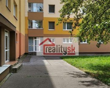 Predám nebytový priestor s vlastným vstupom v Petržalke
