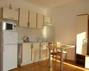Na prenájom 1-izbový byt s loggiou v Nitre - Chrenová, Botanická ul.