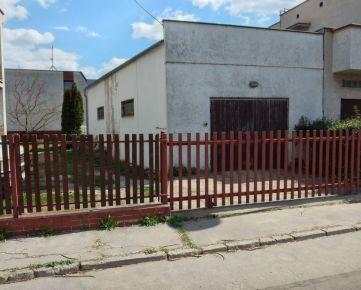 Na prenájom veľká garáž v Trnave