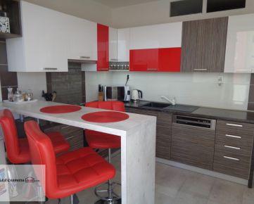 K&R CARPATIA-real * Priestranný - 3i byt - 78 m2 - komplet zrekonštrukcia - 3 x klimatiácia - 2 x nový výťah - sídlisko Juh - ul. 1. Mája