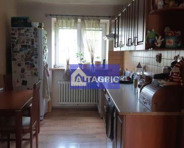 3368 - Na predaj útulný 2 izbový tehlový byt pri termálnom kúpalisku v Komárne
