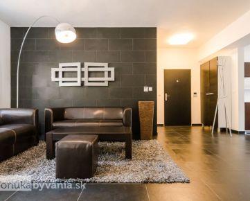 POD ROVNICAMI, 4-i byt, 224 m2 – PREDZÁHRADKA, 2 parkovacie miesta, VLASTNÝ KOTOL, zeleň a TICHO