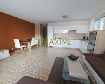 Novostavba 3- izbového bytu na ulici Cesta Mládeže,  kompletne zariadený
