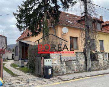 ** RK BOREAL ** Trojpodlažný 4izb. RD bez záhrady, ÚP 130 m2, Pri vinohradoch, Bratislava - Rača