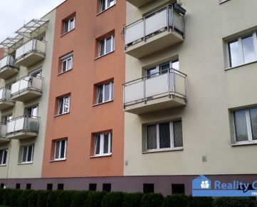 NA PREDAJ, garsónka (19 m2) v tehlovom dome, Sihoť I, Hodžova ul., Trenčín