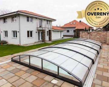Dva nadštandardné domy pre dvojgeneračné bývanie alebo podnikanie