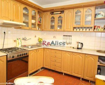 2 izbový byt 57 m2 s plastovými oknami, novou kuchyňou